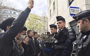 巴黎华人再次示威
