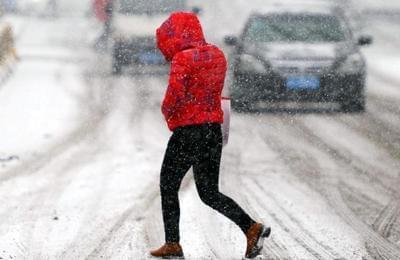 寒潮再袭!乌鲁木齐迎来强降雪