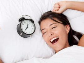 """早晨起床要""""悠着点"""" 不宜做这4件事"""
