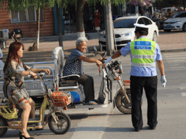 300名辅警一周教育非机动车行人交通违法逾万起