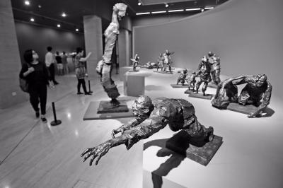 500余件作品回望中国百年雕塑史