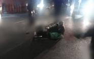 老汉街头假扮残疾乞讨 阻碍交通