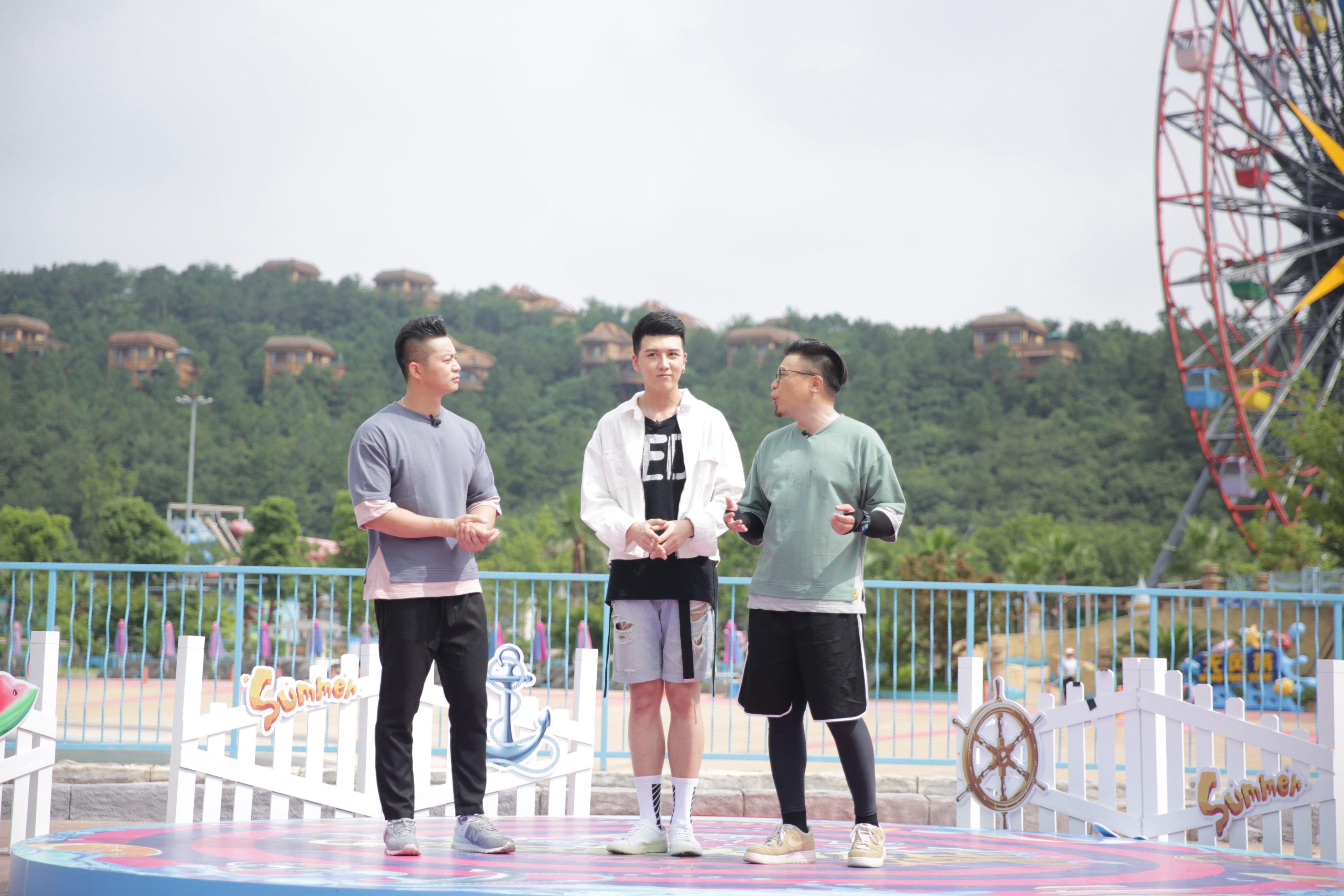 ZERO-G云朗综艺首秀 《活力大冲关》湿身诱惑