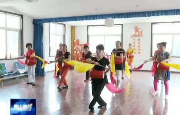 崂山区关注民生聚民心 社区文化培训为生活添新彩