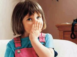 别让不良口腔习惯影响宝宝未来颜值