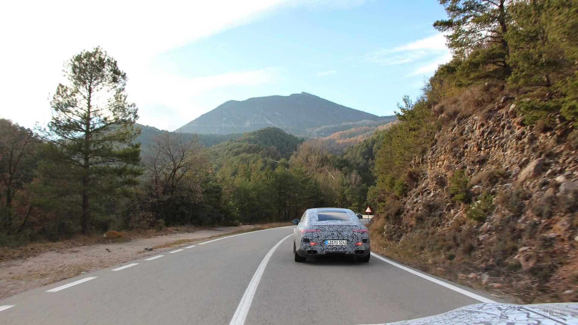 【春节用】拖家带口去飙车 AMG GT Coupe预览图发布