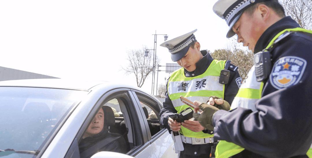 荆州人举报交通违法行为有奖 首月有效举报为14例