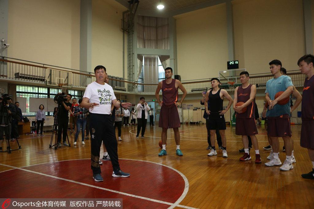 李秋平:回上海是最好的选择 之前并未与姚明交流