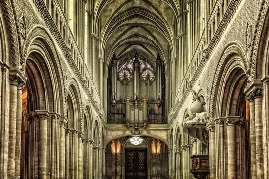 中世纪宏伟的教堂大多是石匠的杰作/Pixbay