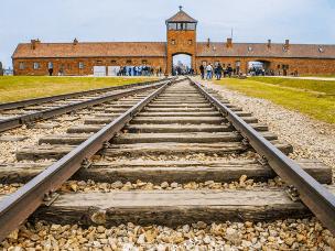 """""""死亡列车""""终点站 110万人被屠杀之地"""