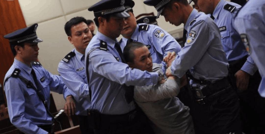 顺德男子不满判决携父母大闹法庭,被当场拘留