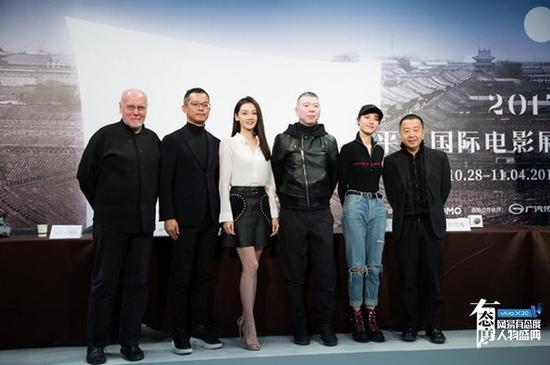 《芳华》年内上映 导演温柔劝媒体关注创作