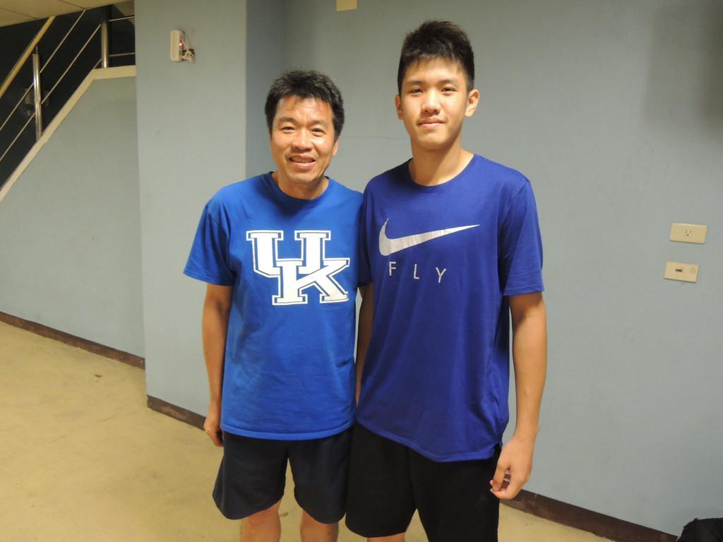 18岁的林书豪接班人隔扣曾文鼎!台湾学生球员赴美潮!他们将成男篮心腹大患?