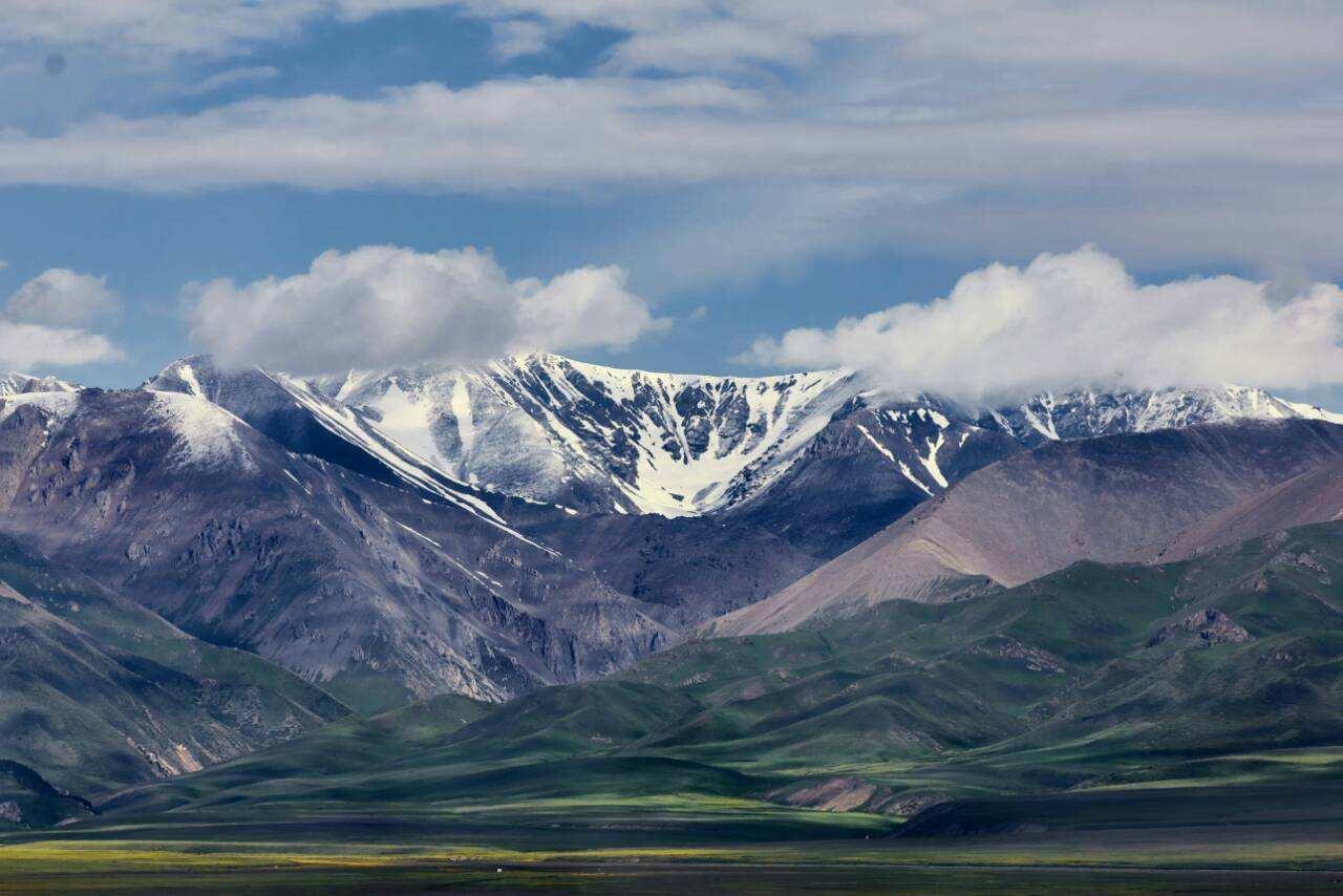 新疆:从中国西北角到亚欧核心带