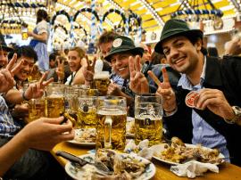 法媒推荐6大国际美食节,还属战斗民族最刺激