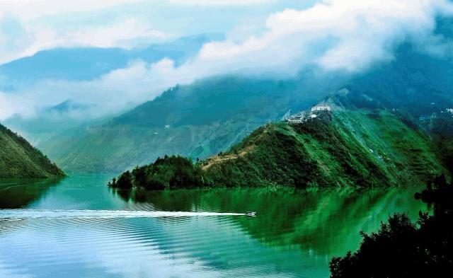 城口巴山湖美景惊艳了整个四季!