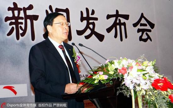 """李元伟曾就篮球改革提出自己的""""北极星计划""""。"""