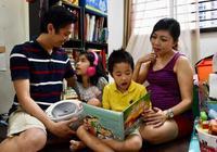 """新加坡家长培养孩子学双语 有""""心""""无""""力"""""""