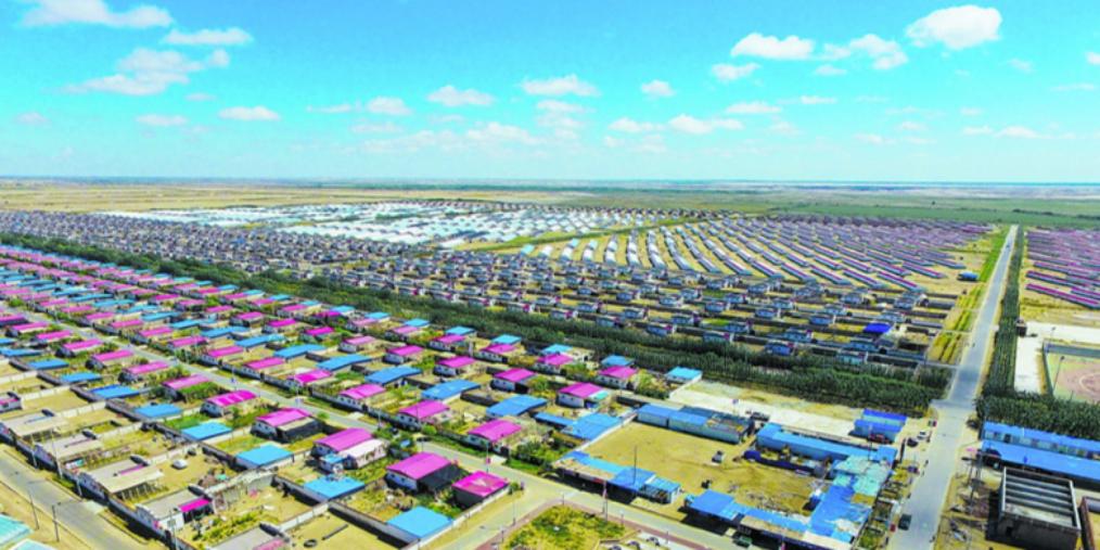 新疆和田地区:美丽乡村满园春
