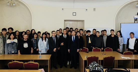 金吉列留学出访代表团与在俄留学生合照