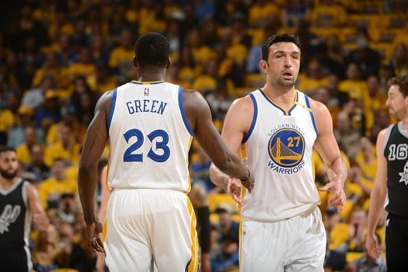 彰顯領袖地位!Curry因墊腳一事主動找Pachulia談心-Haters-黑特籃球NBA新聞影片圖片分享社區