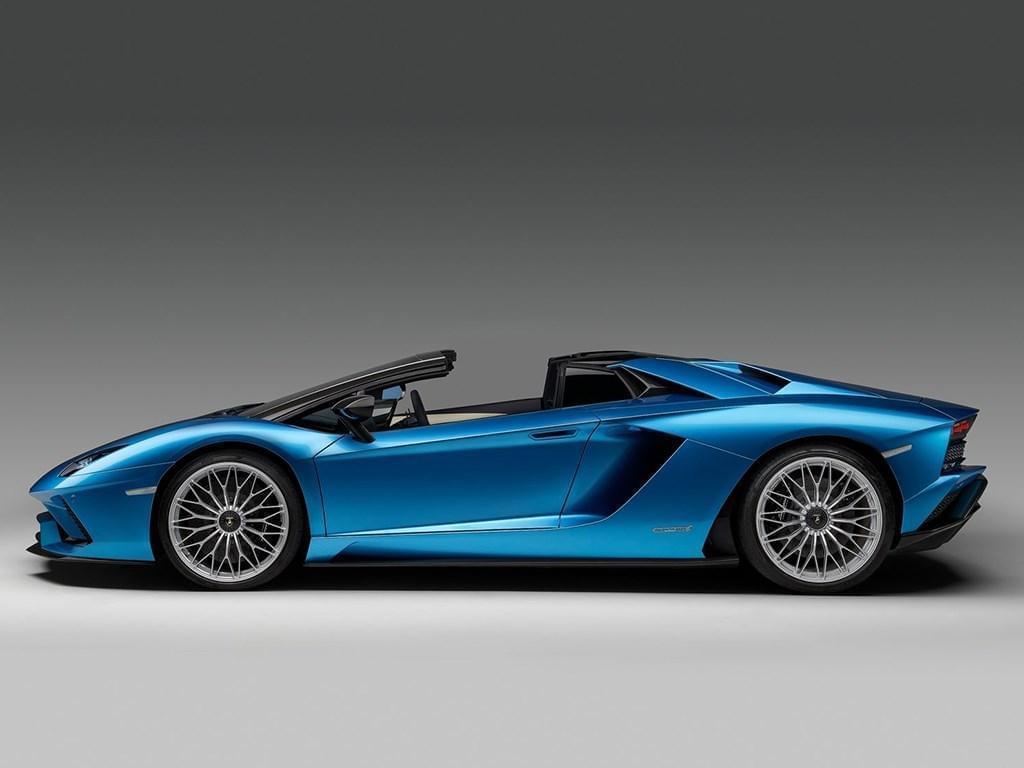 法兰克福车展见 Aventador S Roadster官图