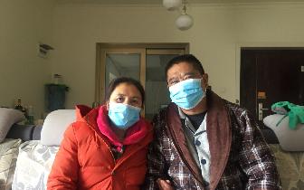 82岁婆婆照顾瘫痪儿媳 家人陪伴是福不是负担