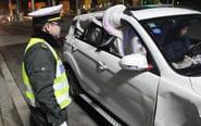 车玻璃破损司机用棉被挡窗