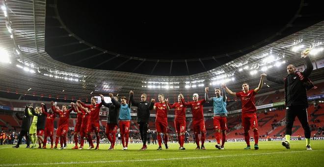 西甲-C罗梅开二度 皇马3-2保住争冠希望