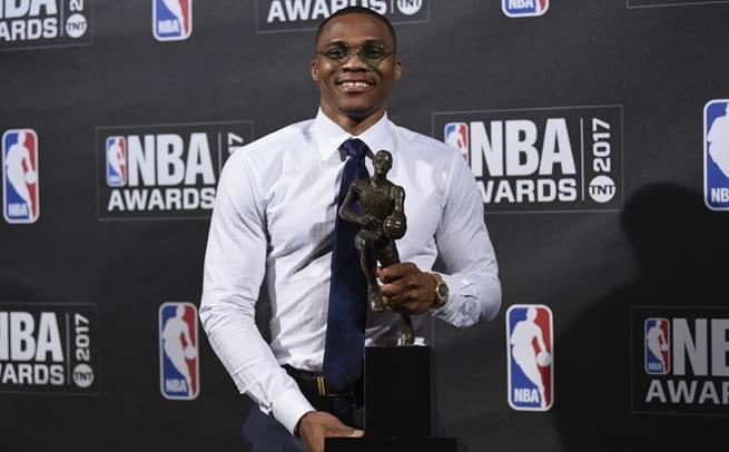 NBA首届颁奖礼:维斯当选MVP
