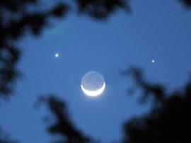 """今明将上演""""双星伴月""""有趣天象 全国"""