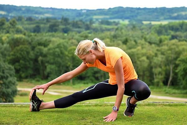 提高跑步成绩:定时定量补水 放松精神