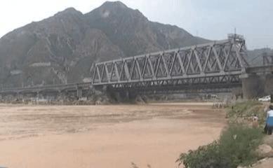 山西临猗26公里河段应对黄河洪峰过境