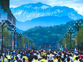 2018双遗马拉松报名开启 跑者首周享九折优惠