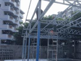 违建者切割钢材噪声大影响考生备考 城管马上拆除