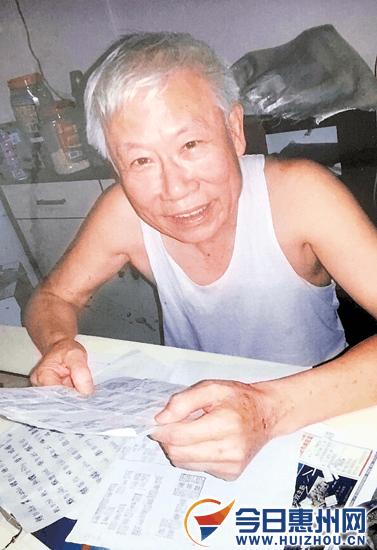 好坚持!惠州退休老师花5年心血对小篆字形不懈钻研