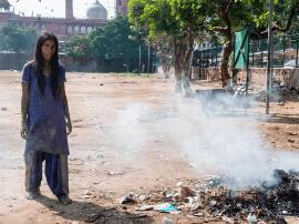 """女性注意:印度再爆性侵丑闻 """"看客式冷漠""""被痛批"""