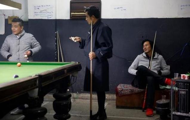 歌舞厅、酒吧和手机:探访不丹现代化生活