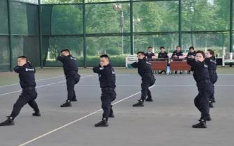 坚定信念、刻苦训练 咸宁法警支队终捧回两项大奖