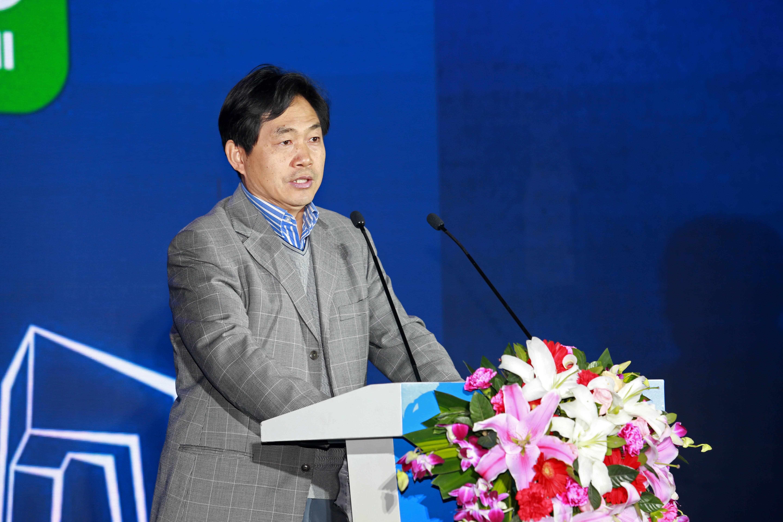 国家体育总局体育科学研究所副所长冯连世
