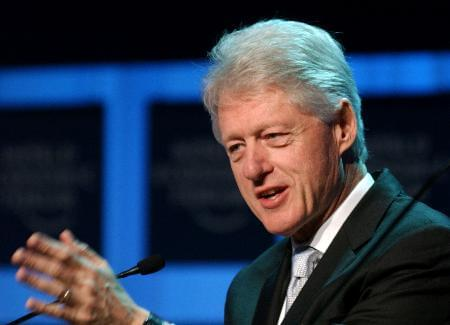 克林顿任美大学名誉校长5年获1760万美元报酬