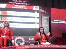 磁县姑娘郭玲玲在残疾人举重世锦赛上破世界纪录