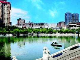 文瀛公园破损路面重新铺装 崭新面貌迎接市民
