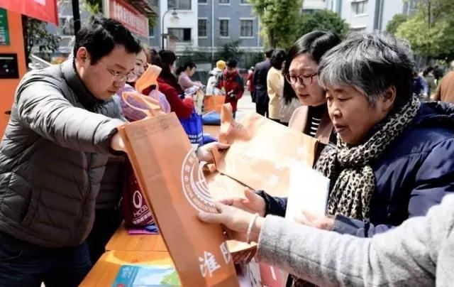 全国妇联宣传部家庭处副处长李燕凌来淮开展工作