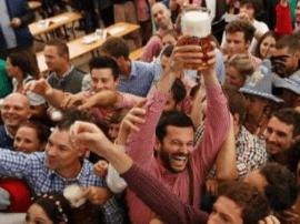 爽翻!慕尼黑啤酒节开幕 一公升啤酒高达10.95欧元