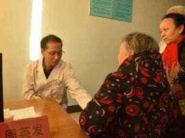 灵宝市第一人民医院:义诊送健康 真情惠民暖寒冬