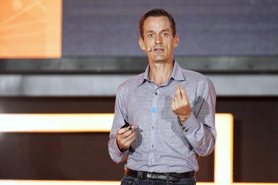 Jeff Dean:AI First背后,谷歌下一步想实现自动化AI