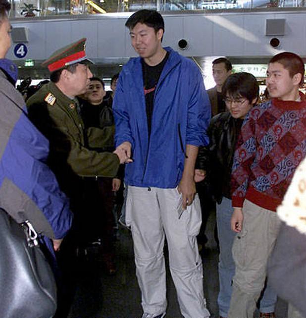 王治郅在2006年从美国回归八一队