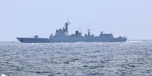 北约舰艇发现中国舰队发推特欢迎
