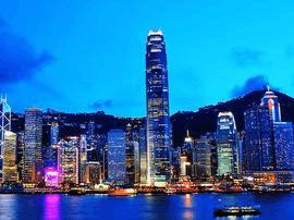 """李克强回应对香港是否会""""强一国弱两制"""":不动摇"""